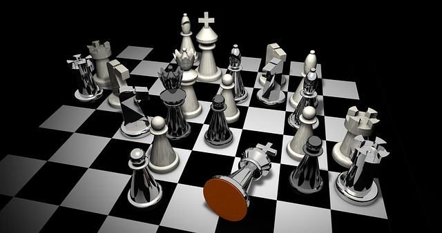 šachové figurky a šachovnice