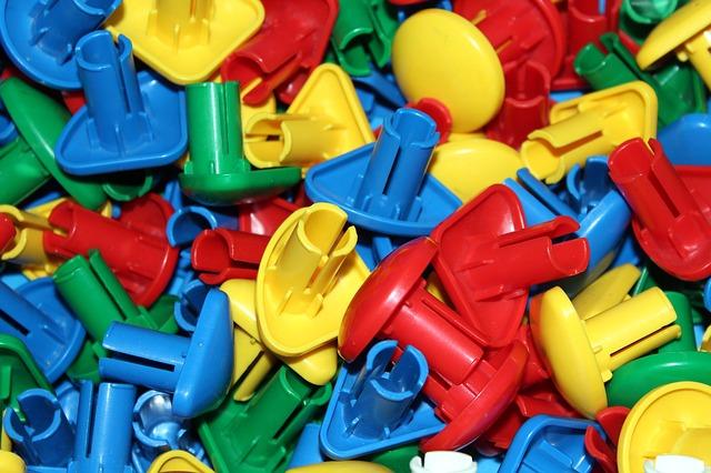 plastové čudlíky